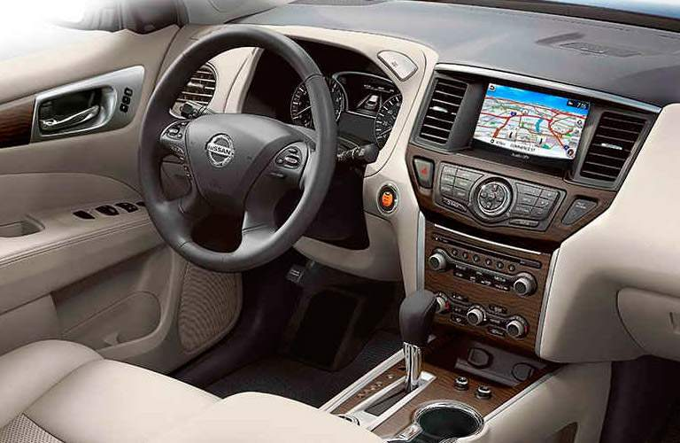 2017 Nissan Pathfinder Front Cabin Side View