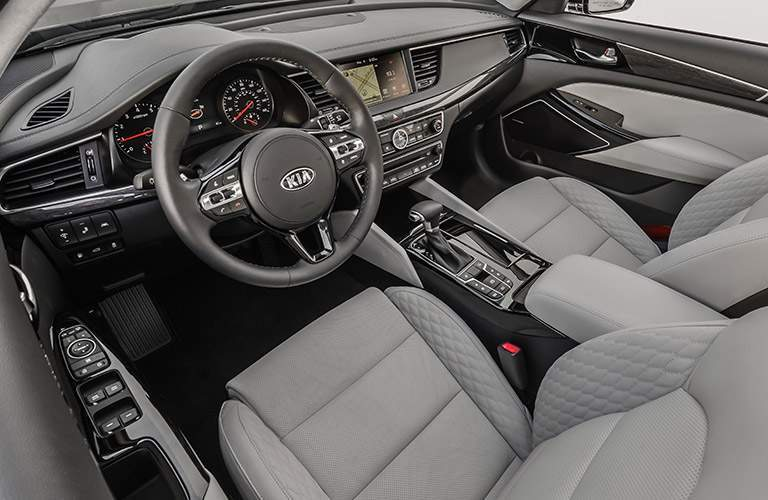 2017 Kia Cadenza dashboard and front seats