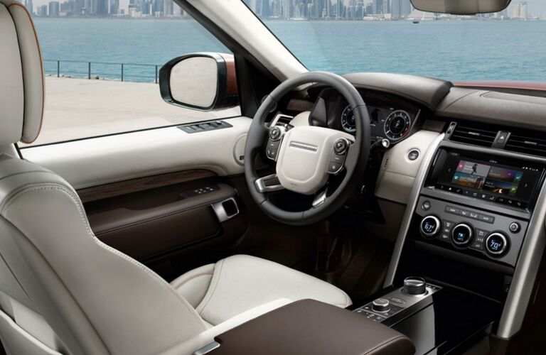 2018 land rover discovery interior detail