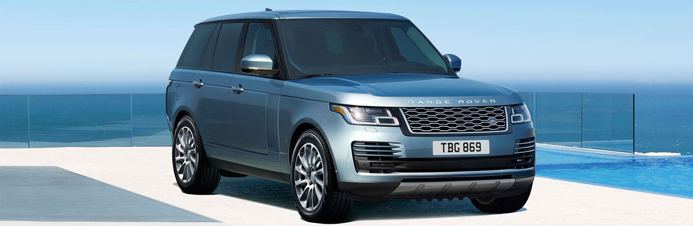 2019 land rover range rover full view driving