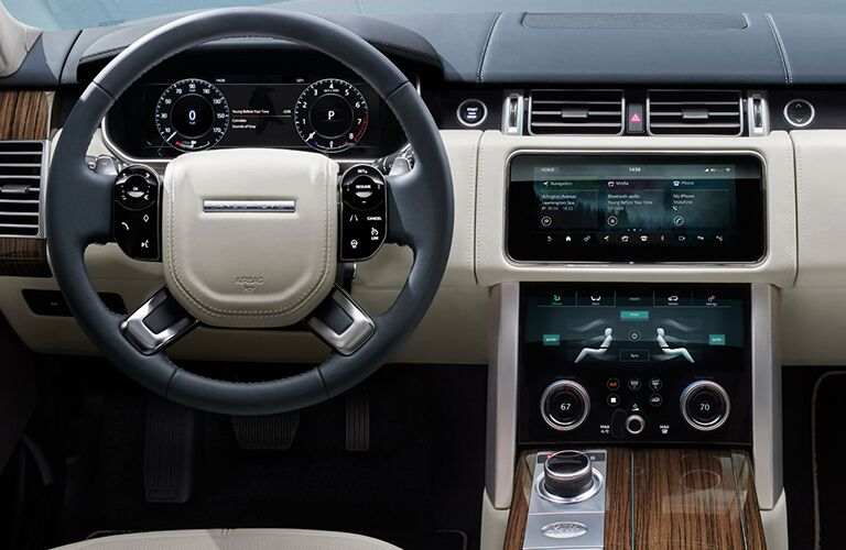 steering wheel and dash of land rover range rover