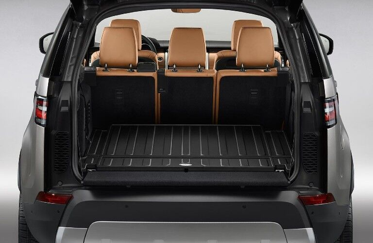 2020 Land Rover Discovery cargo space