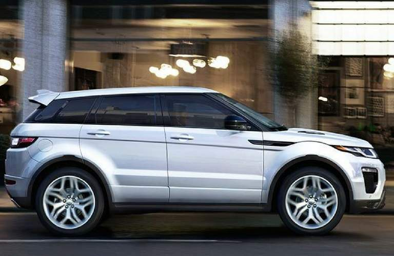 2018 land rover range rover evoque side view driving