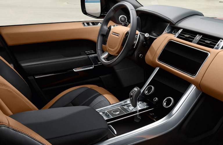 2018 Land Rover Range Rover Sport Dashboard and Black and Brown Front Seats