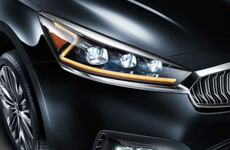 2018 Kia Cadenza's unique z-shaped headlights