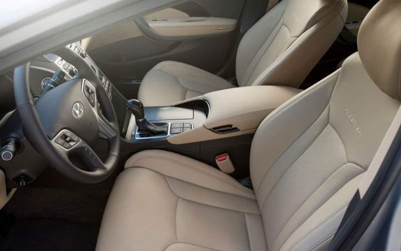 2017 Hyundai Azera Interior Front Seat