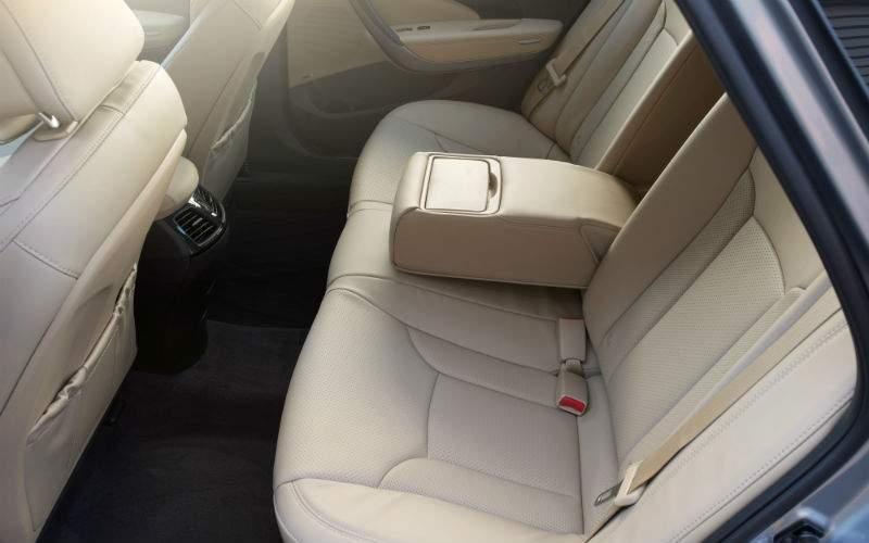 2017 Hyundai Azera Interior Back Seat