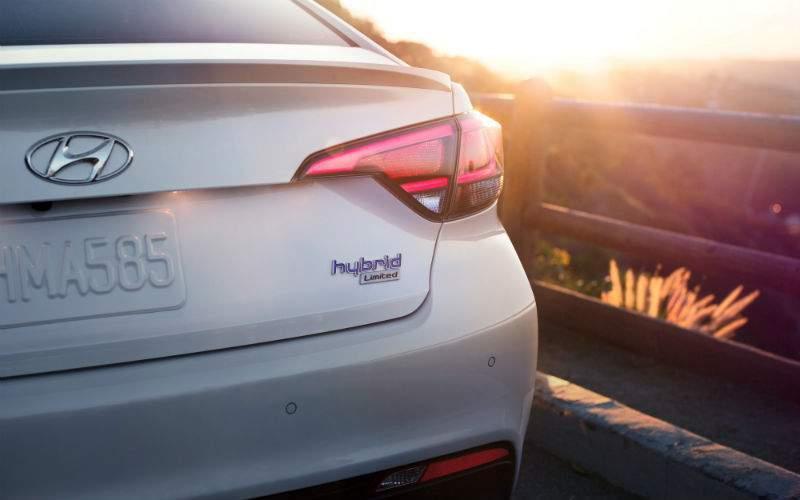 2017 Hyundai Sonata Hybrid Exterior Rear Fascia