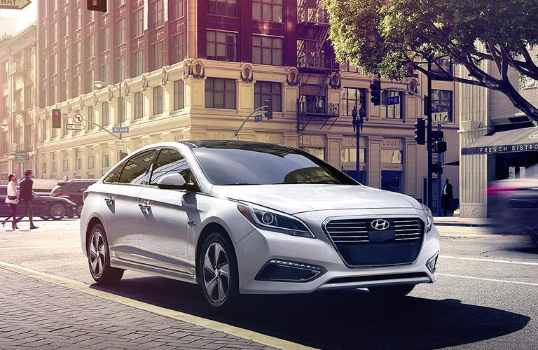2017 Hyundai Sonata Hybrid Exterior Passenger Side Front Profile