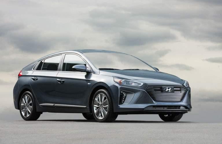 2019 Hyundai Ioniq Hybrid gray side view