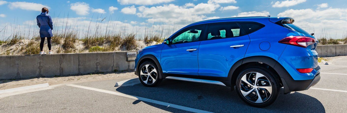2018 Hyundai Tucson blue at the beach