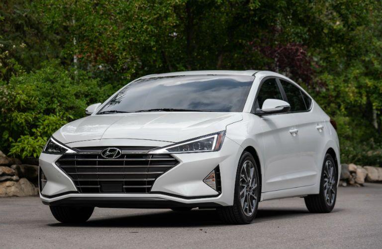 2019 Hyundai Elantra Exterior Driver Side Front Angle