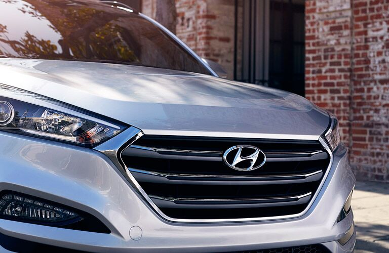 Modern grille and front end design are very evident in the 2017 Hyundai Tucson