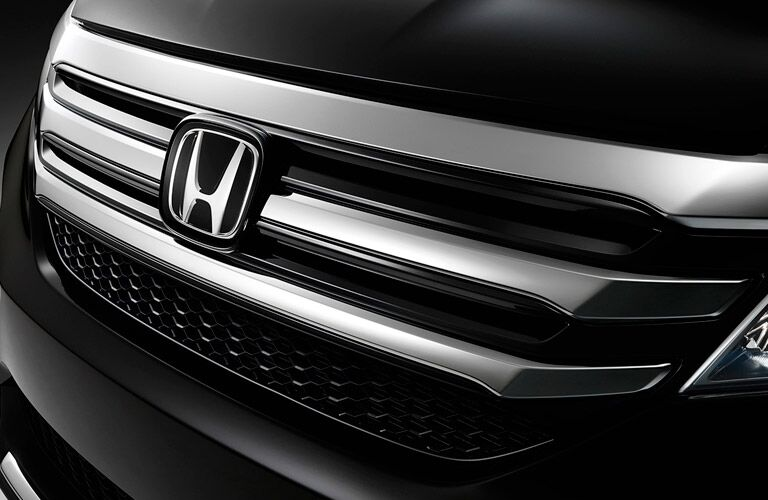 2016 Honda Pilot front close-up