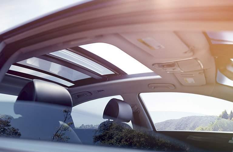 2017 Hyundai Sonata Hybrid with sunroof