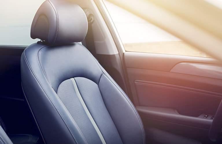 2017 hyundai sonata hybrid seat materials and design