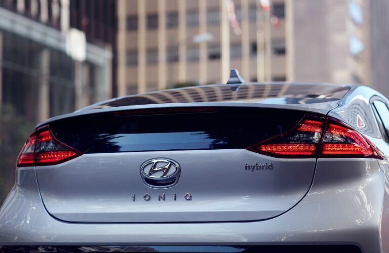 2017 Hyundai Ioniq Hybrid rear hatch trunk bumper design