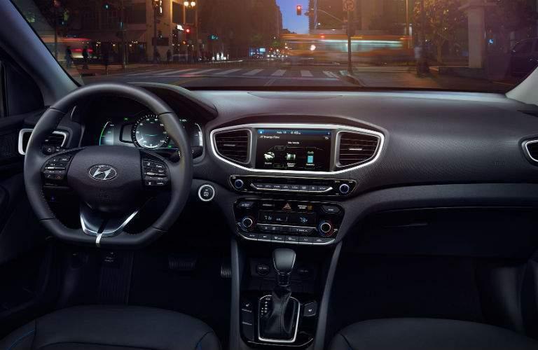 2018 Hyundai Ioniq Hybrid front interior