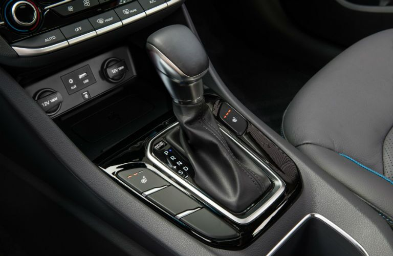 2018 Hyundai Ioniq Hybrid transmission shifter