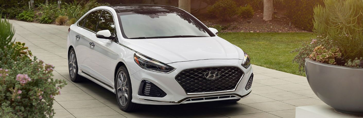 2019 Hyundai Sonata Exterior Passenger Side Front Angle