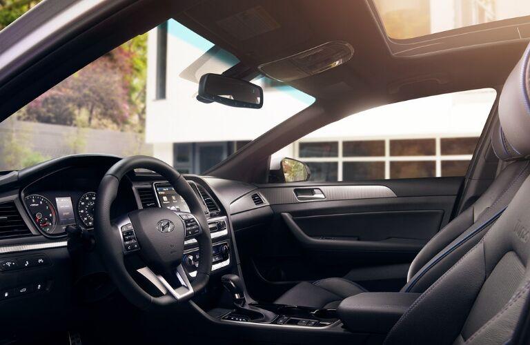 Interior view of 2019 Hyundai Sonata