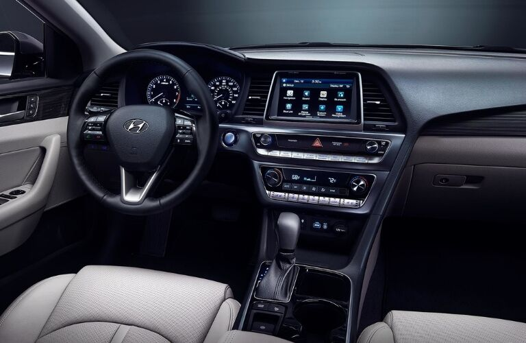 Steering wheel and dashboard in 2019 Hyundai Sonata