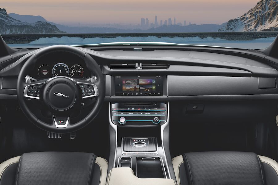 Jaguar XF Interior Technology