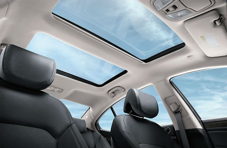 2016 Kia Cadenza sunroof
