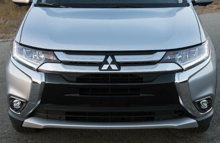 El extremo delantero del 2017 Mitsubishi Outlander