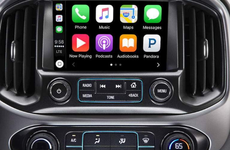 close up of the display screen in the 2018 Chevrolet Colorado