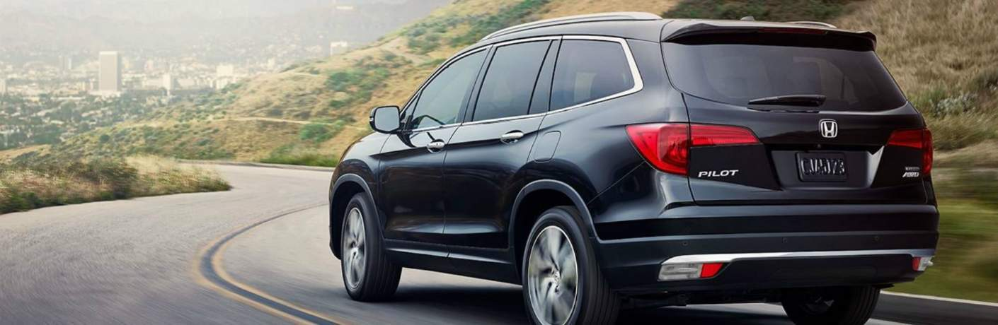 2018 Honda Pilot Driving Towards the City