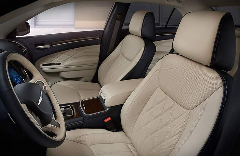 2018 Chrysler 300 quilted beige leather seats
