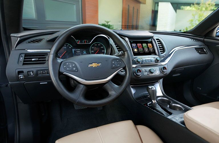 cockpit of 2019 chevy malibu