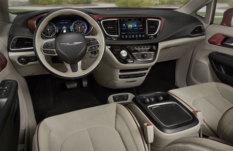 2018 Chrysler Pacifica steering wheel and  dashboard