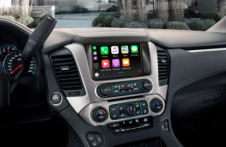 2019 GMC Yukon infotainment system with Apple CarPlay