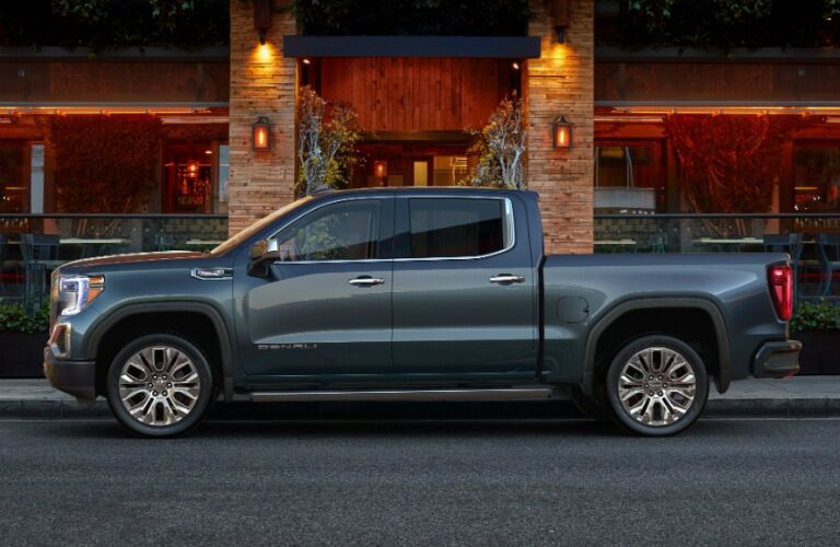 2019 GMC Sierra exterior in grey side profile