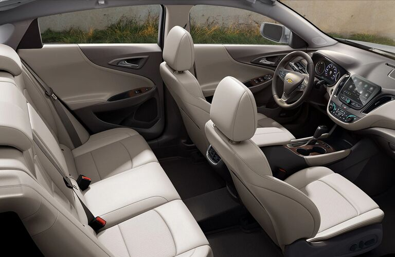 2020 Chevrolet Malibu front and back seats