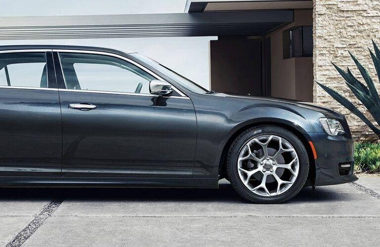 2020 Chrysler 300 profile view