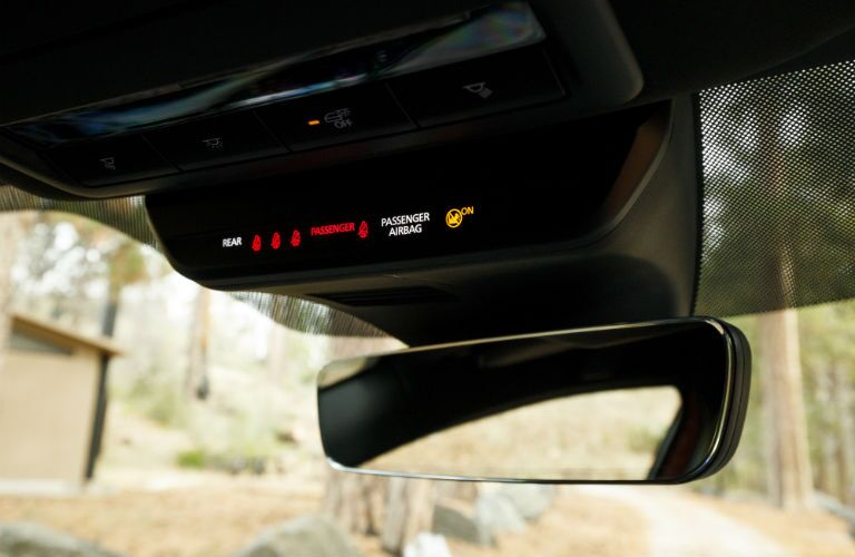 A photo of the seat belt status display in the 2019 Mazda3 hatchback.