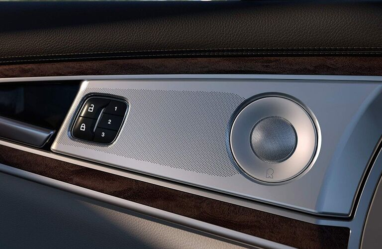 closeup of inside of the door of the 2019 Lincoln Nautilus