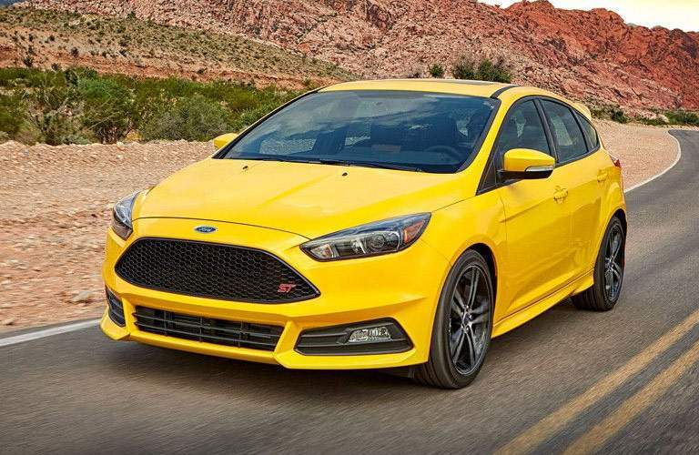 yellow ford focus in desert