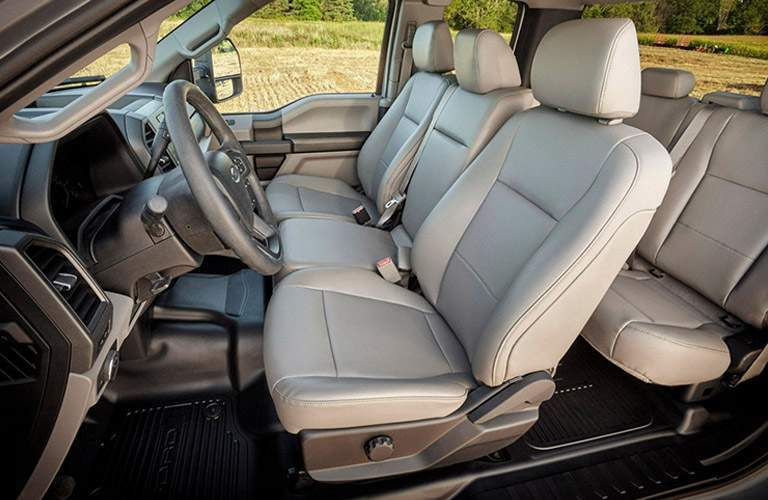 2017 ford f-250 super duty cargo space cabin room