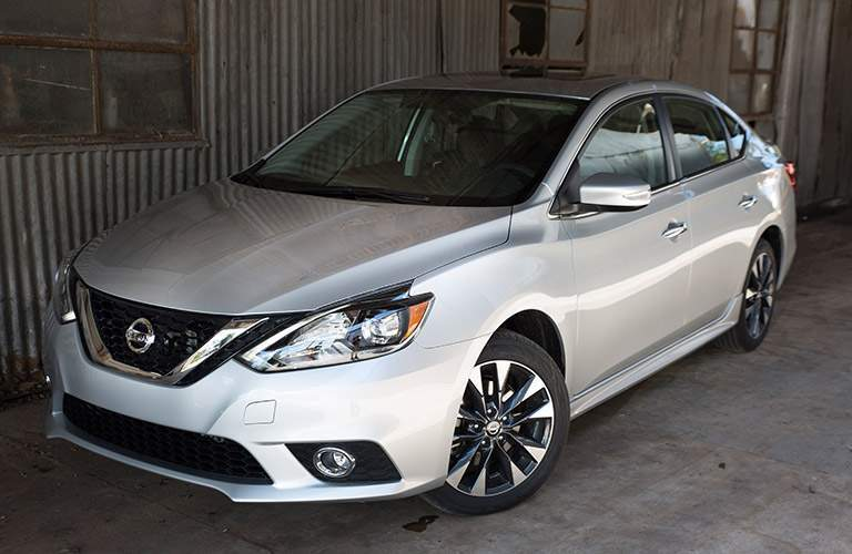 2017 Nissan Sentra Silver Exterior Front View