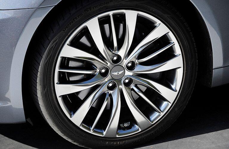 2016 Hyundai Genesis wheel
