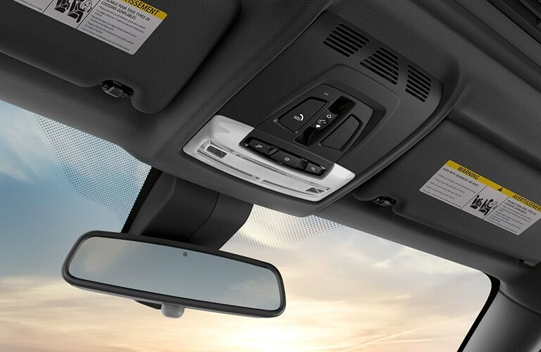 2019 BMW 4 Series rearview mirror and controls