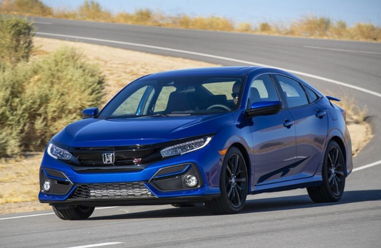2020 Honda Civic SI rounding a curve front view