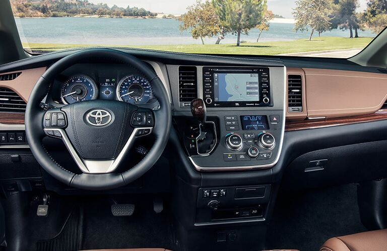 A photo of a dashboard used by the Toyota Sienna.