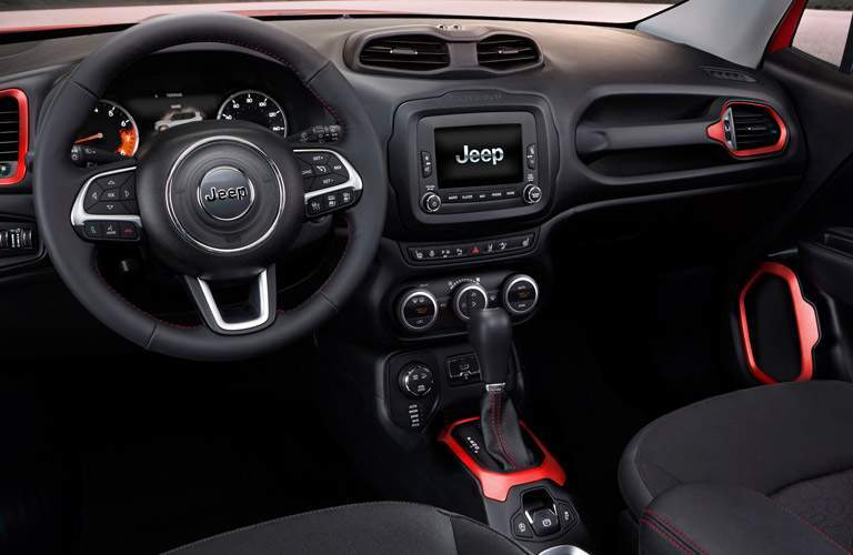 jeep renegade cabin, black front seats and steering wheel