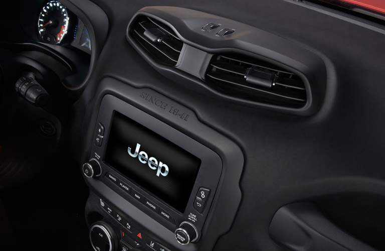 jeep renegade front display screen