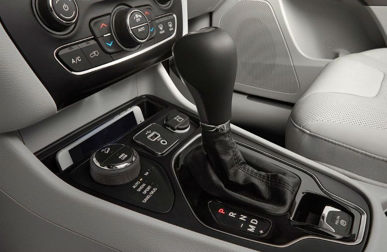 center transmission of 2019 jeep cherokee